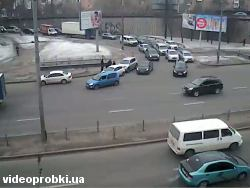 Car crash at Moskovskyj avenue - Novokonstyantynivska St (photo)